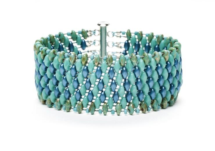sara-bracelet-1000-x-702